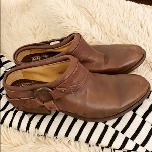 Frye Boots Carson Mules